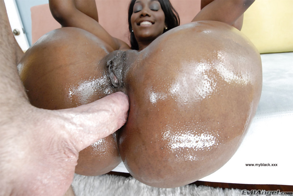 Nut Down Her Ebony Throat