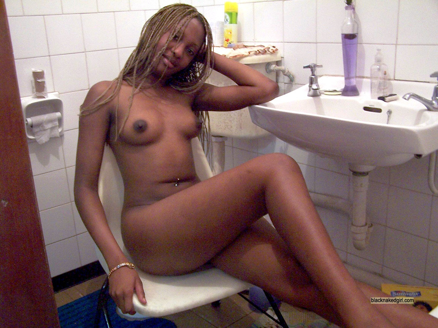 Have faced Naked african girl in bathroom really